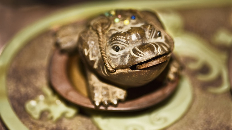 How to Place Your Feng Shui Money Frog for Good Luck
