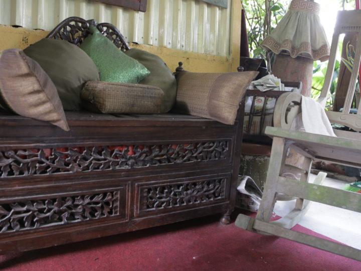 How to Buy Vintage furniture