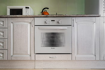 How to Clean an Oven Easily at Home
