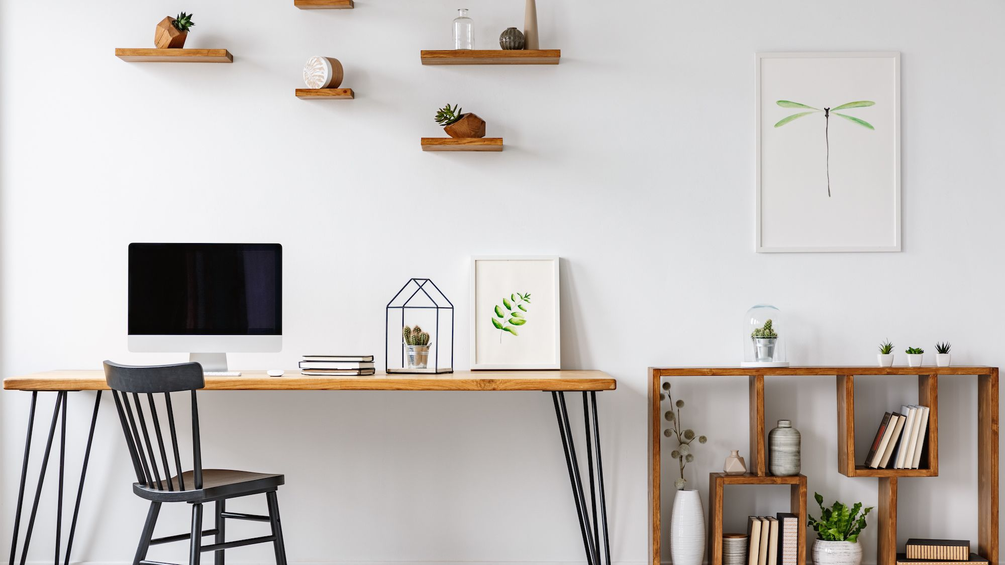 Impressive and Foolproof Office Wall Décor Ideas