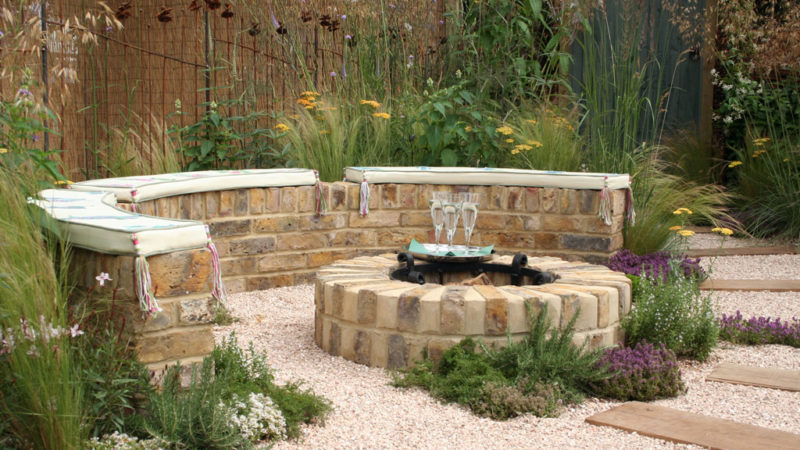 Everything You Need To Know About The Outdoor Fire Pit Set