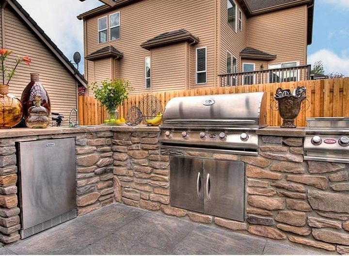 Top 14 Small Outdoor Kitchen Ideas For Your Backyard