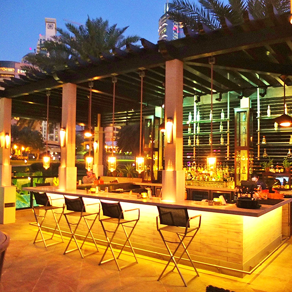 Stylish Outdoor Bar Ideas For Your Backyard