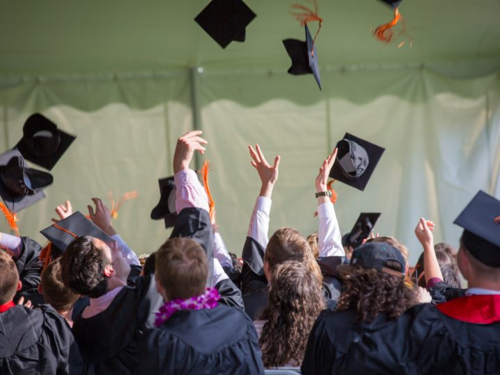 How to Plan a Memorable Graduation Party?