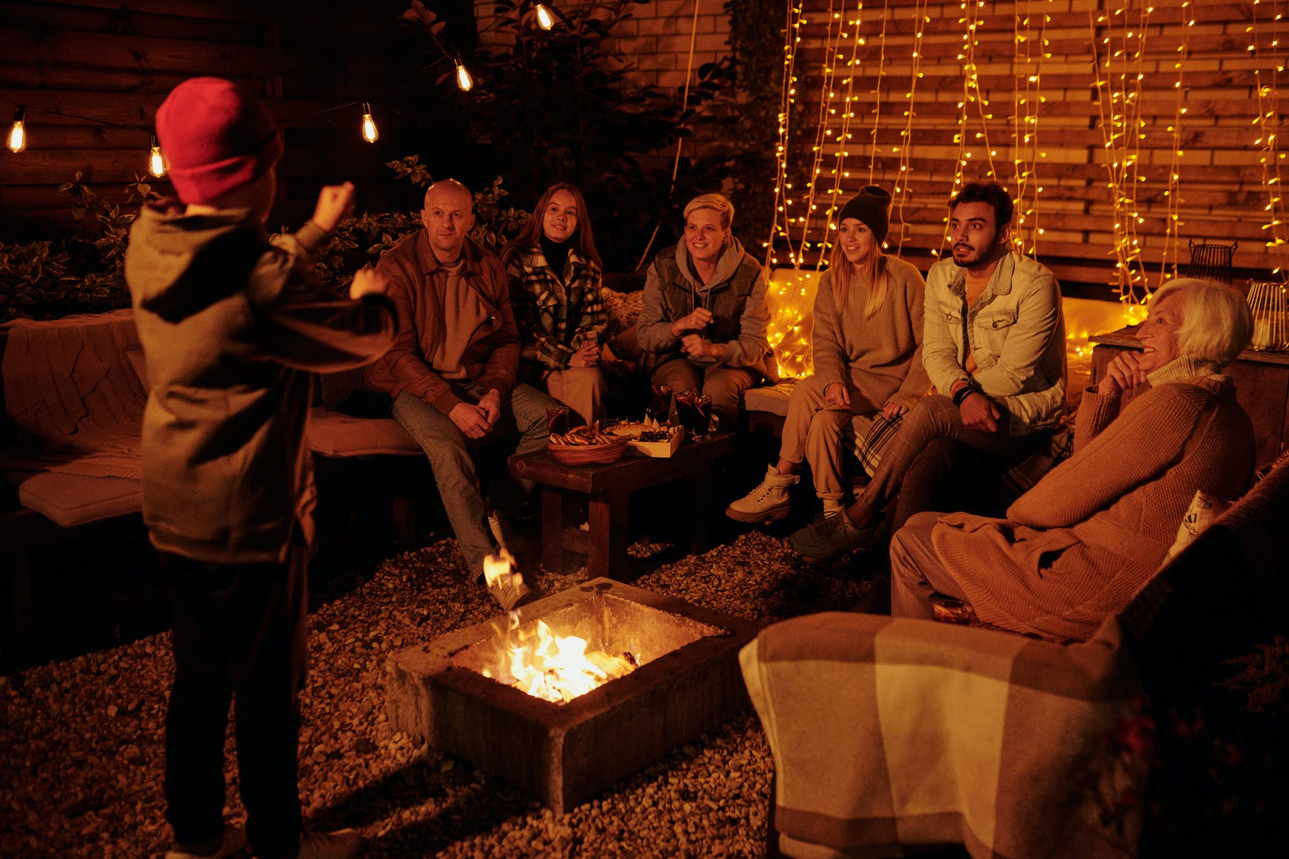 Throw The Best Bonfire Party With Your Friends