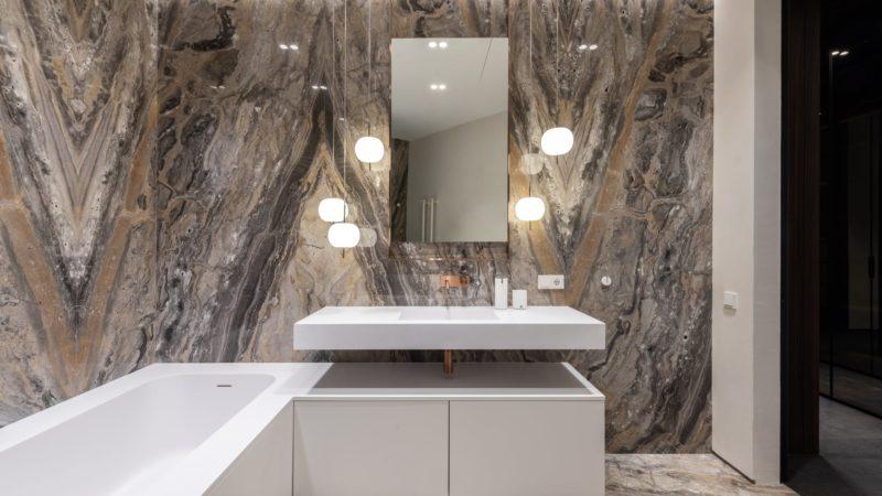 Best Smart Bathroom Mirror For Elegant Vanity